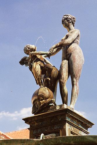 Historia de Praga: fuente de los jardines del Palacio Wallenstein